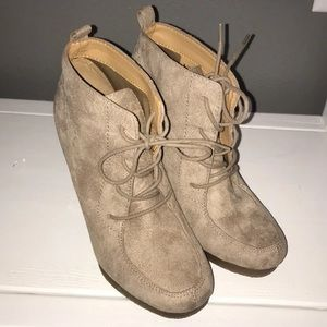 Shoes - Nine West Booties